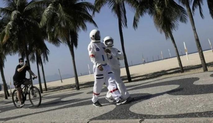 matrimonio - astronautas
