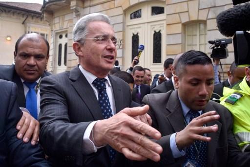 Expresidente colombiano Álvaro Uribe dio positivo