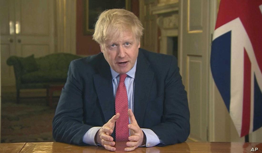 Boris Johnson recomendó uso de mascarillas en las escuelas secundarias