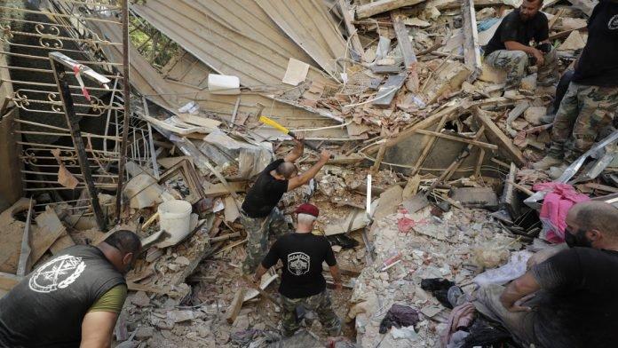 #Mundo | 24 horas bajo escombros: hallaron niña en zona de explosión en Beirut