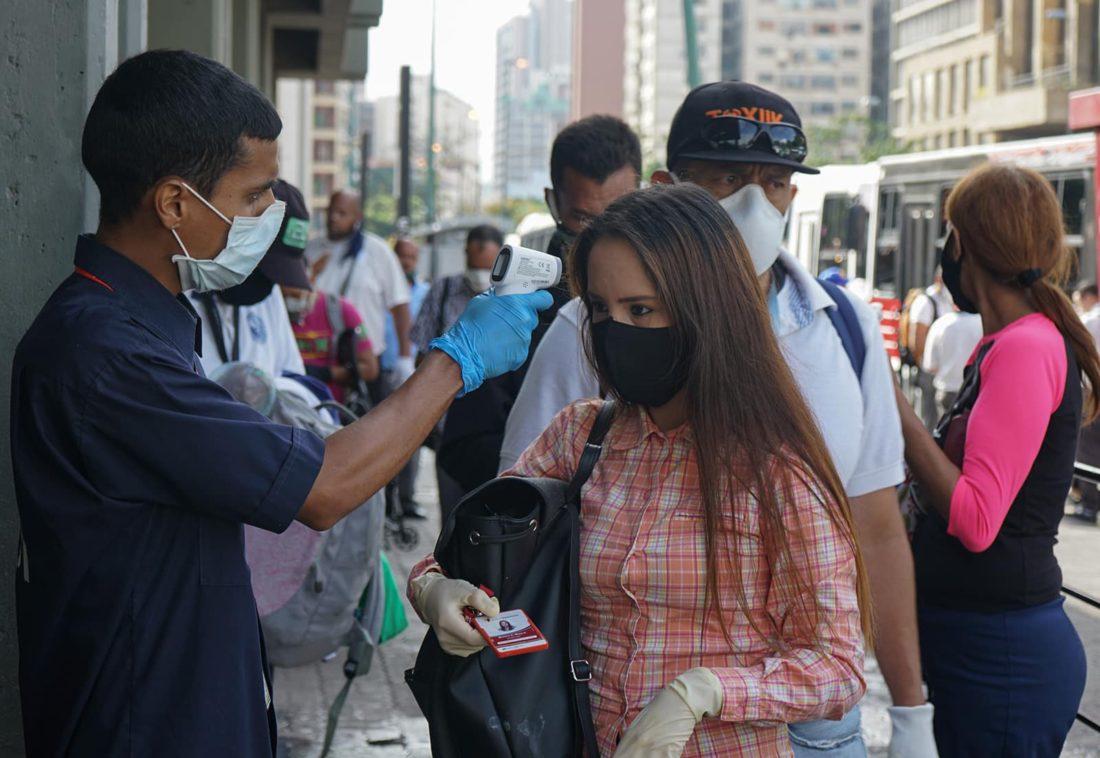 Venezuela registró ocho nuevas muertes y alcanzó los 22.000 contagios