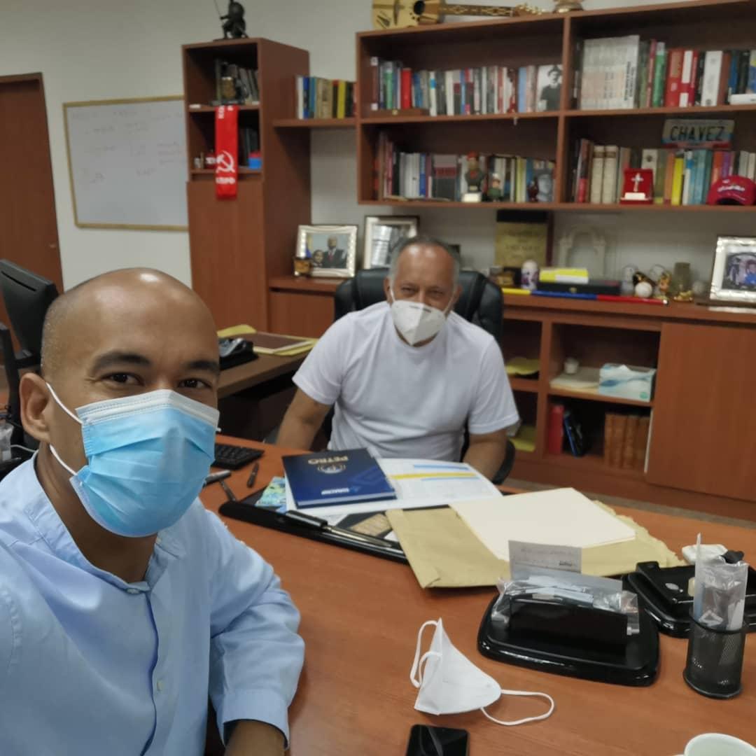 Héctor Rodríguez publicó una imagen acompañado de Diosdado Cabello