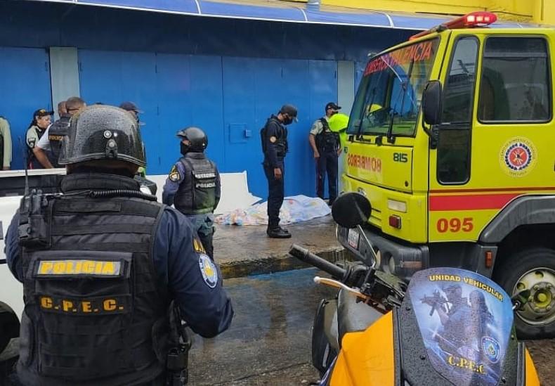 #Sucesos | Habitante de Carabobo murió tras derrumbe de un local comercial