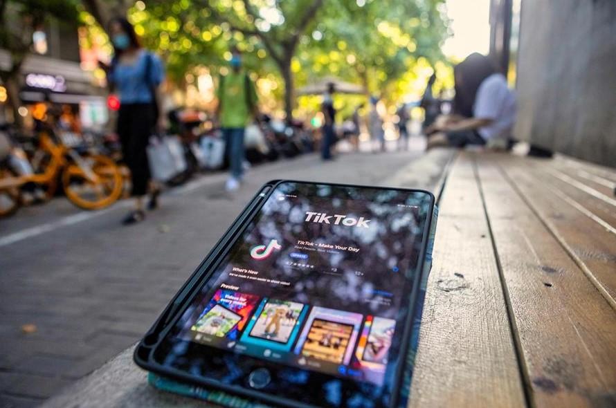 Microsoft mantiene negociaciones para comprar TikTok a pesar de sanciones estadounidenses