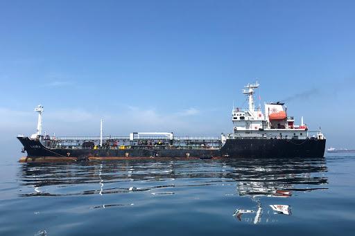 Irán niega ser dueño de buques con gasolina cosficada por EEUU