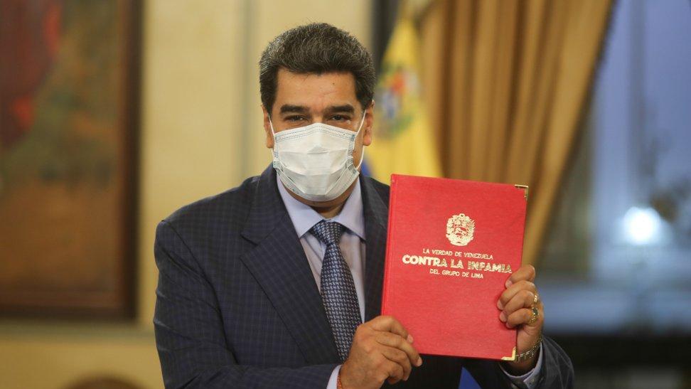 Entregan a Maduro documento en respuesta a informe de la ONU