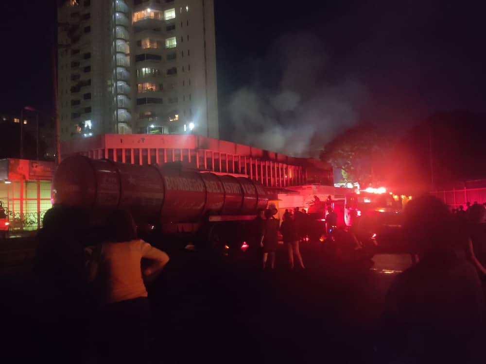incendio en el sector Chapellín de Caracas