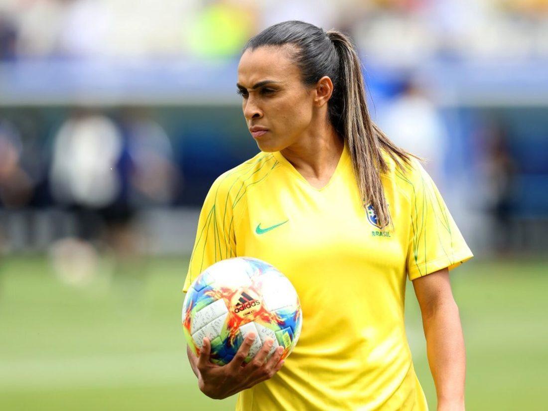 CBF anunció que mujeres y hombres en selecciones de fútbol recibirán el mismo sueldo