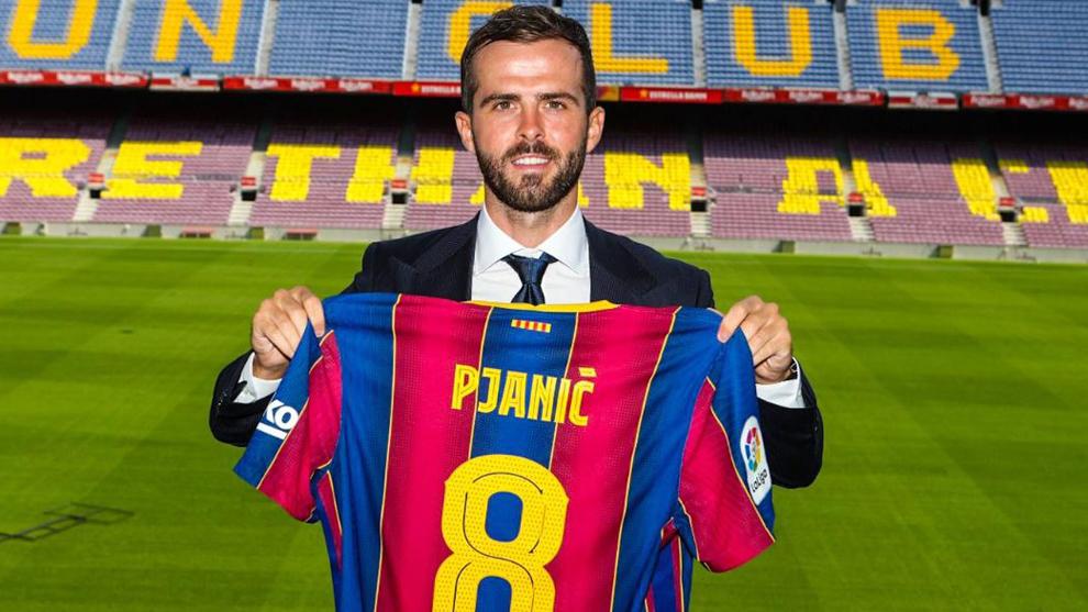 Con el 8 de Iniesta: FC Barcelona presentó a Pjanic