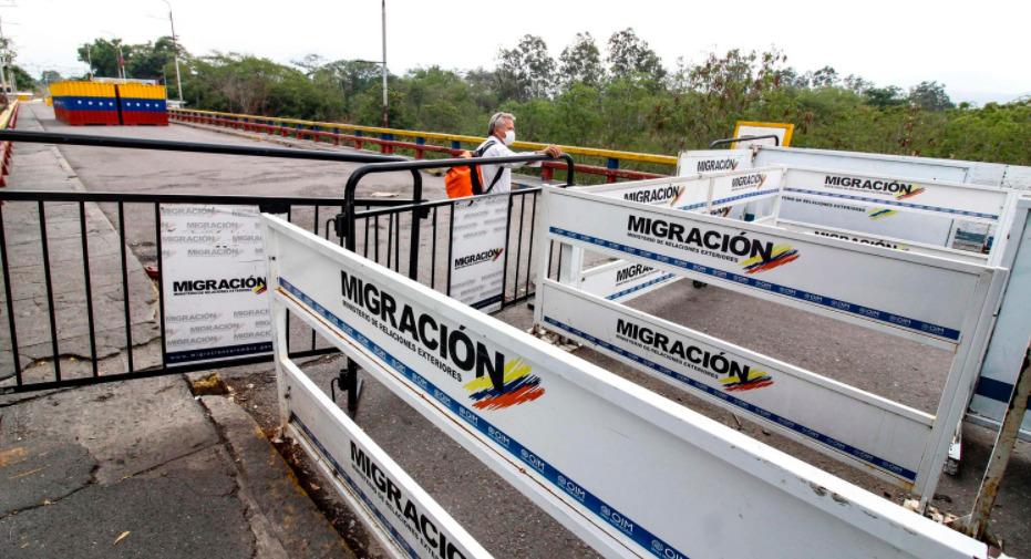 Colombia mantendrá cerradas sus fronteras por 30 días más