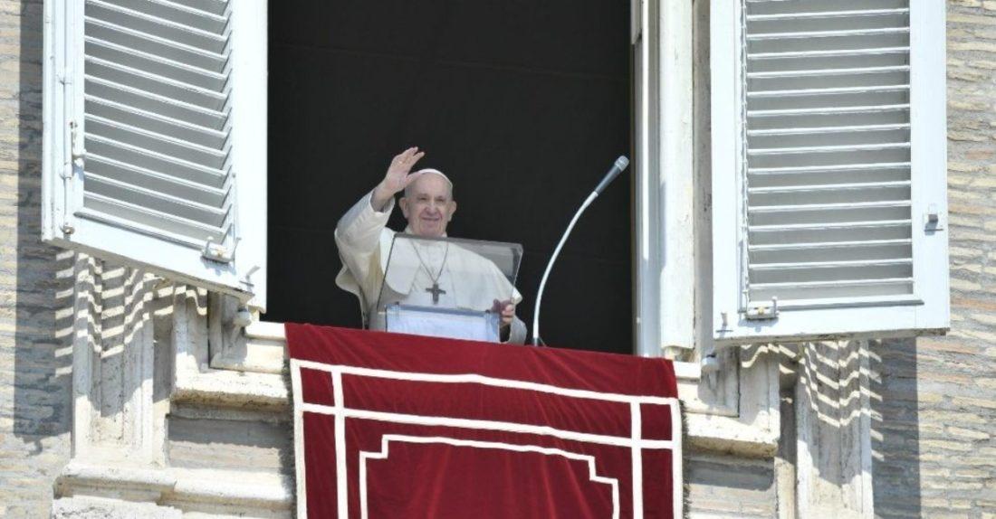 Papa Francisco envió mensaje de solidaridad a refugiados en campo de Moria (Grecia)