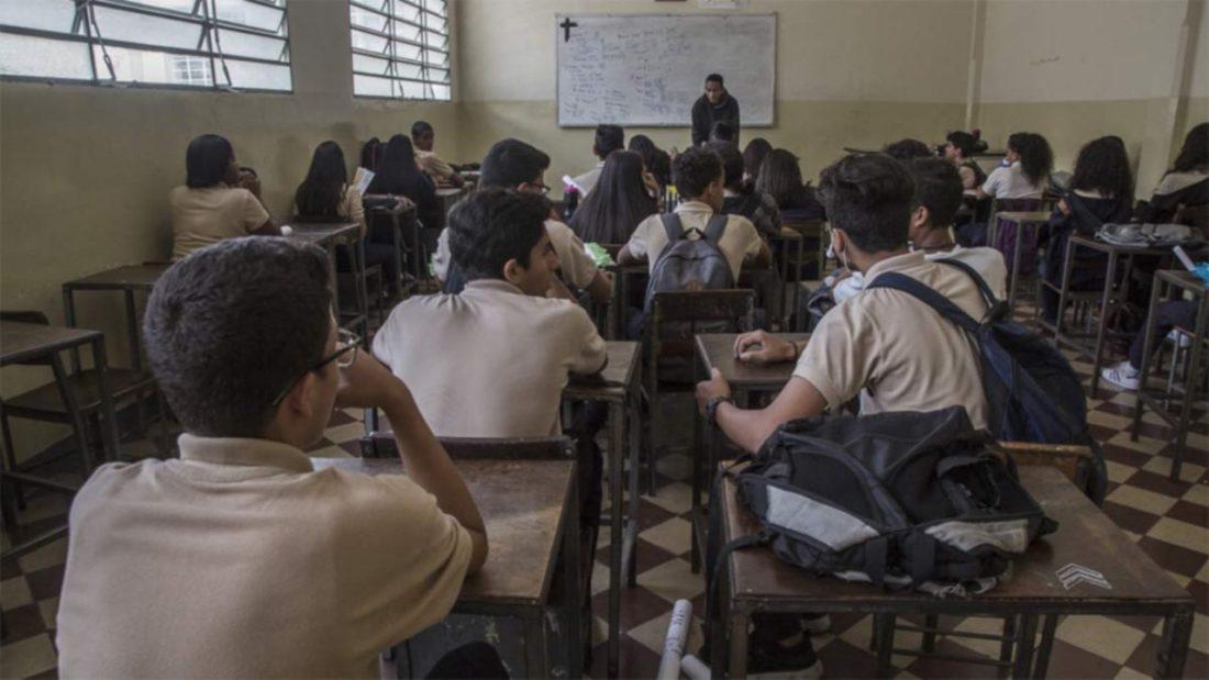 colegios - administración - Maduro