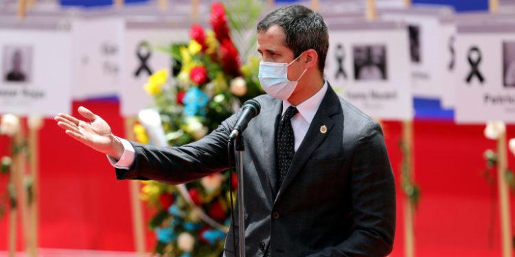 """Guaidó: """"Prefieren meter preso un cirujano que proteger el sector salud"""""""