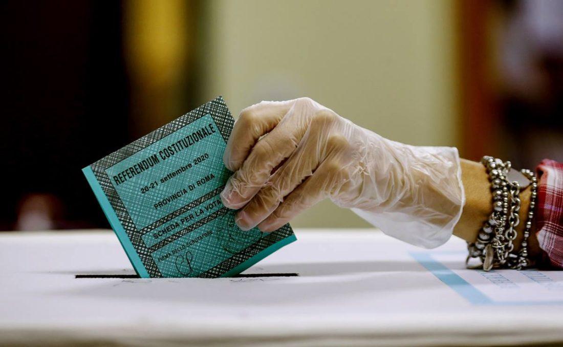 reducción en número de parlamentarios a través referéndum