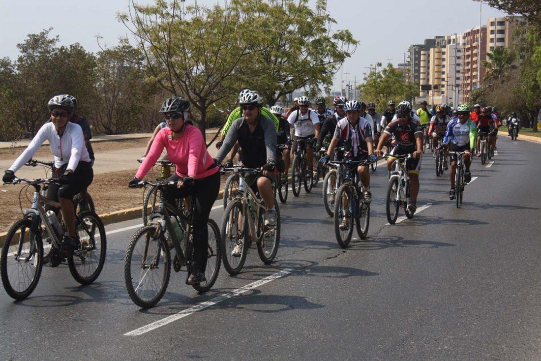 Ciclistas-lechería