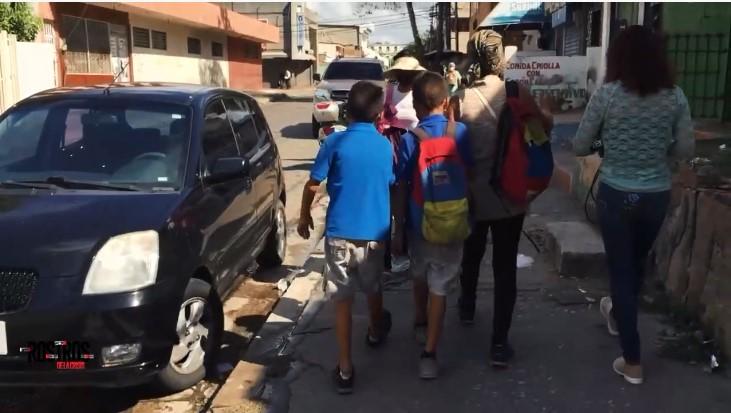 Gemelos autistas crecen en medio de la peor crisis económica en Venezuela (+Video)