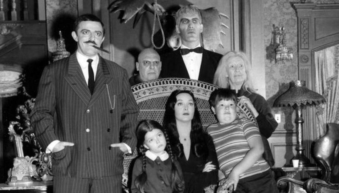 """""""Los locos Addams"""" regresarán a la televisión de la mano de Tim Burton"""