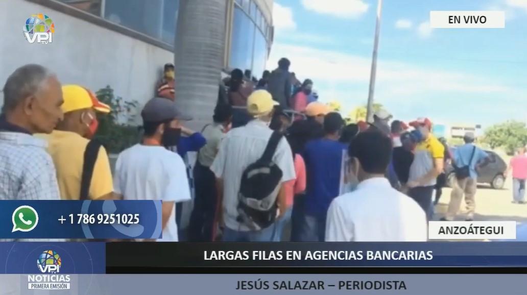 Largas filas en agencias bancarias de Lechería para retirar dinero en efectivo