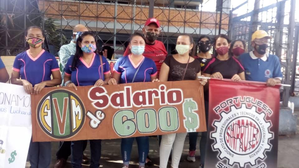 "Docentes de Portuguesa realizaron un ""pancartazo"" por mejores salarios"