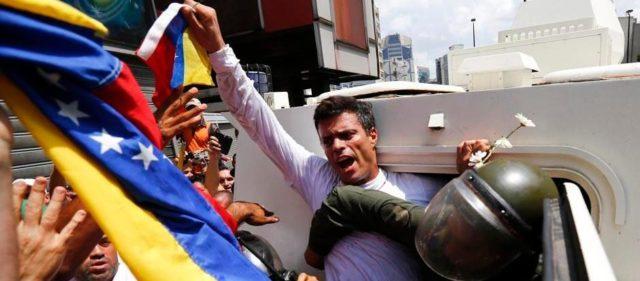 """Leopoldo López, de la cárcel al """"exilio"""" (Cronología)"""