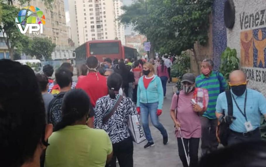 Usuarios padecen por nueva falla en el Metro de Caracas