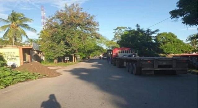 Más de un año sin gas: ciudadanos trancaron carretera Cumaná - Puerto La Cruz
