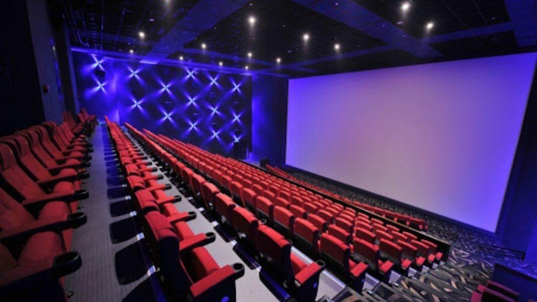 Teatros y cines a la expectativa de reabrir sus puertas en diciembre
