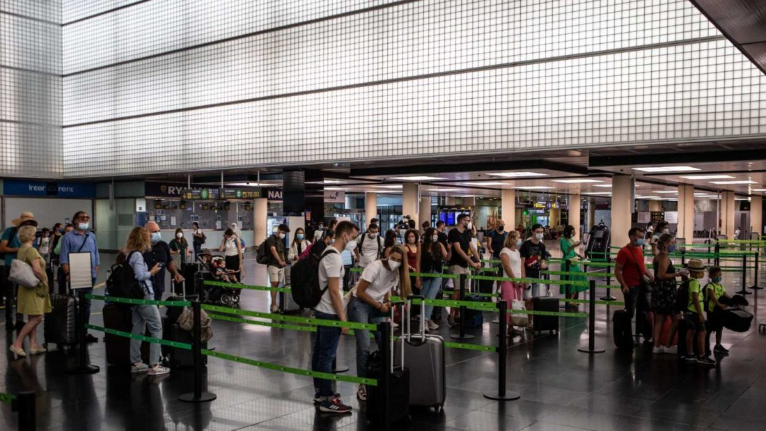 Varios países volvieron a reforzar las medidas de restricciones