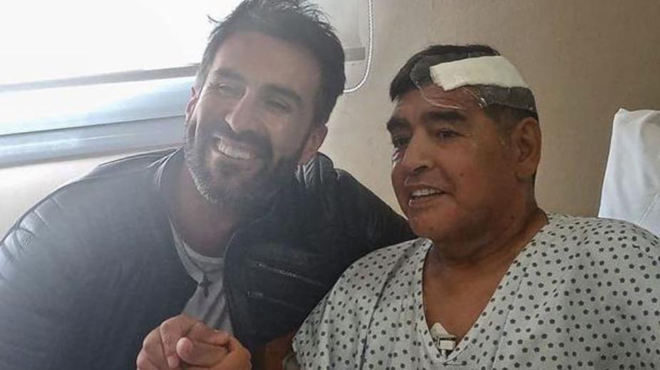 Médico de Maradona habría falsificado la firma del exfutbolista