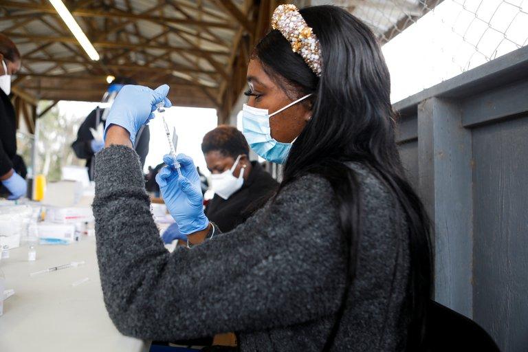 Solo residentes en Florida podrán recibir la vacuna contra el covid-19